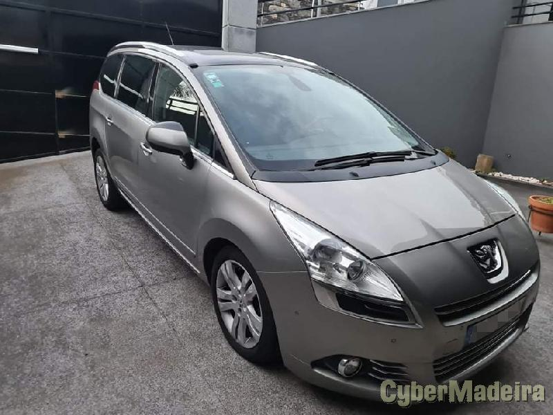 PEUGEOT 5008 1.6Hdi 7lugares Full extras Gasóleo