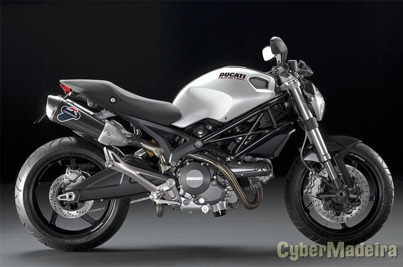 Ducati Monster 696 ABS 690 cc Sport, turismo