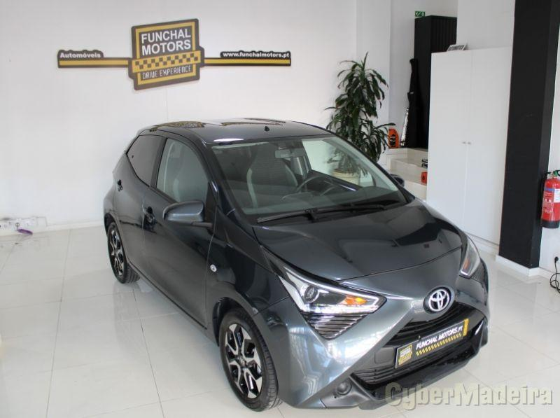 TOYOTA AYGO 1.0  X-Play + X- Touch Gasolina