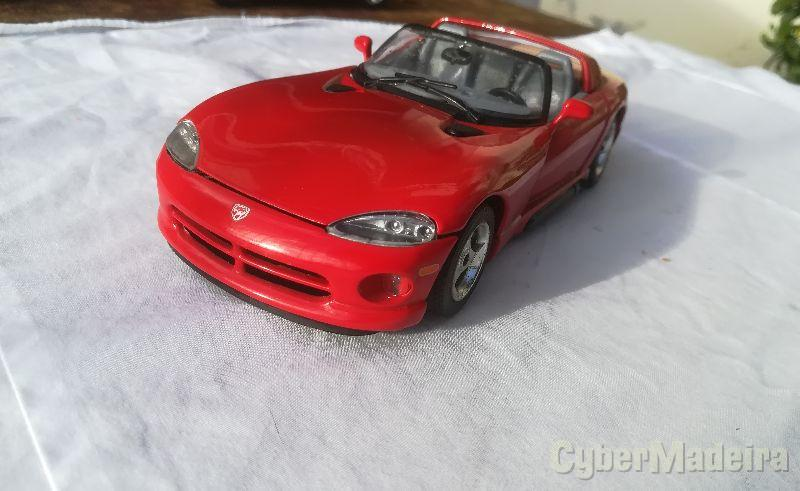 Dodge Viper RT/10 da Urago, escala 1/24