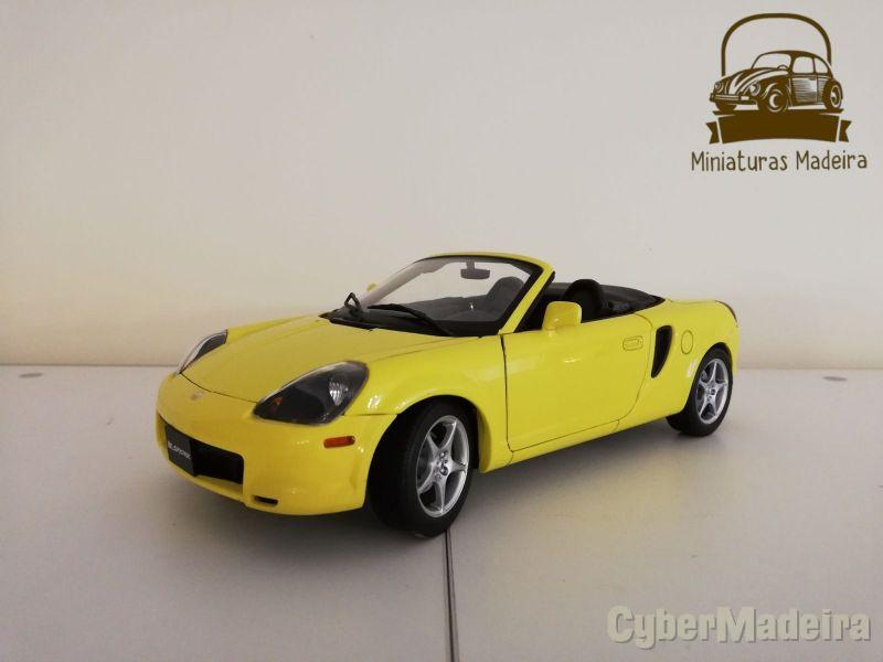 Miniatura Toyota MR 2 1/18