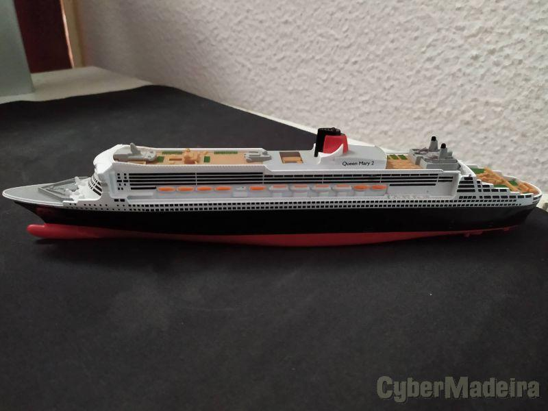 Miniatura Queen Mary 2