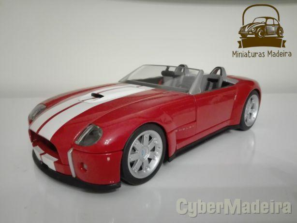 Miniatura Ford Shelby Concept 1/18