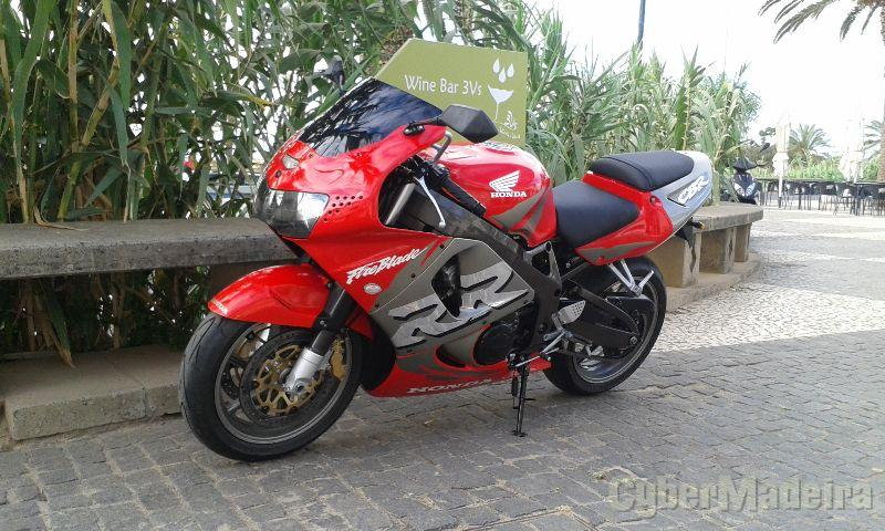 Honda CBR 900 RR SC33, 6000 klm. 900 cc Supersport